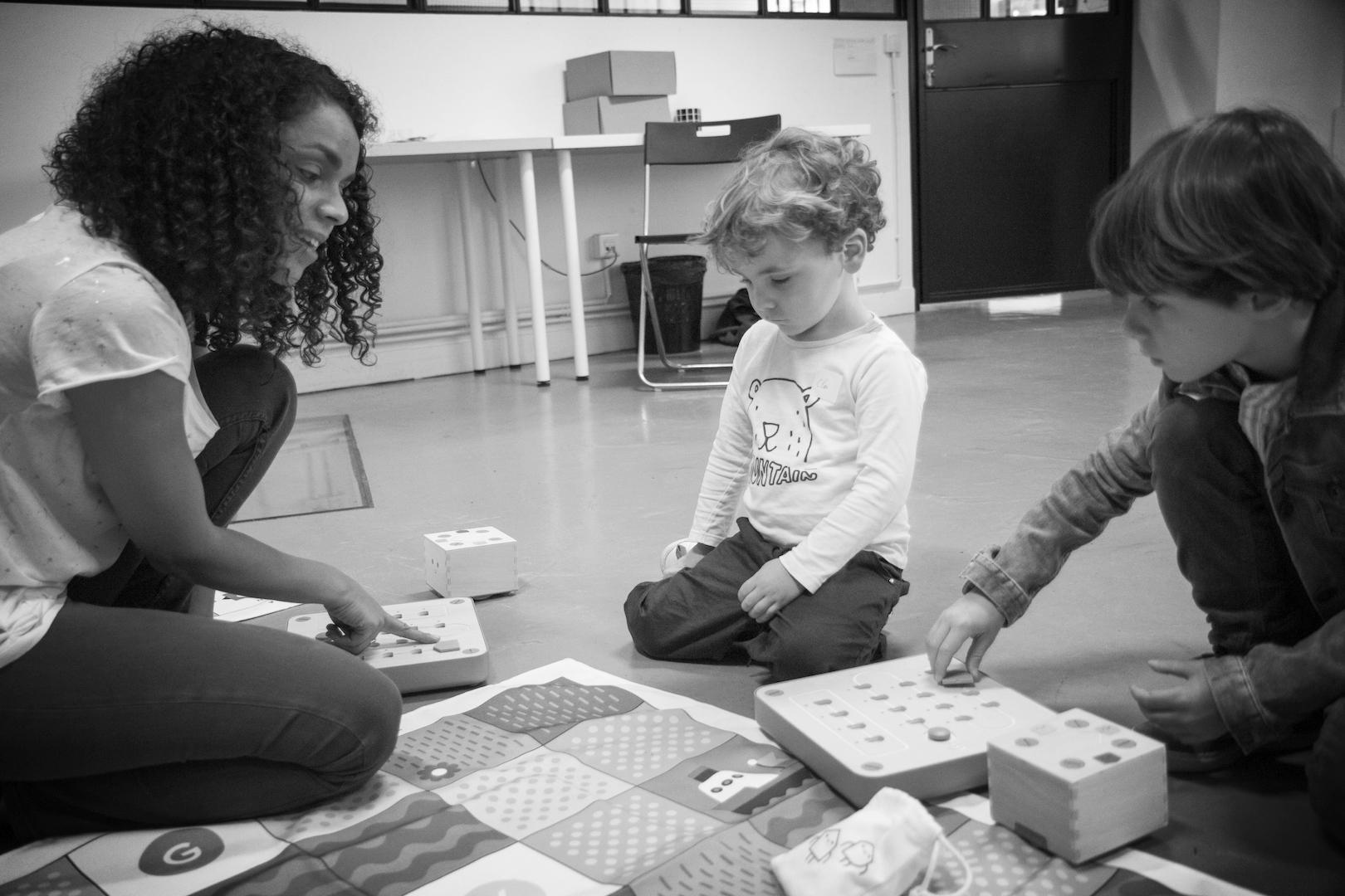 colori-montessori-apprendre-à-coder-enfant