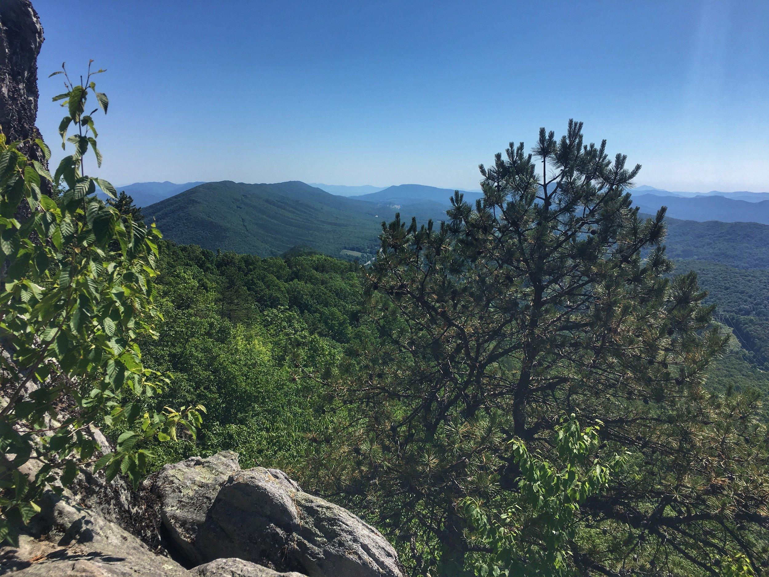 blue-ridge-mountains-near-roanoke.jpg
