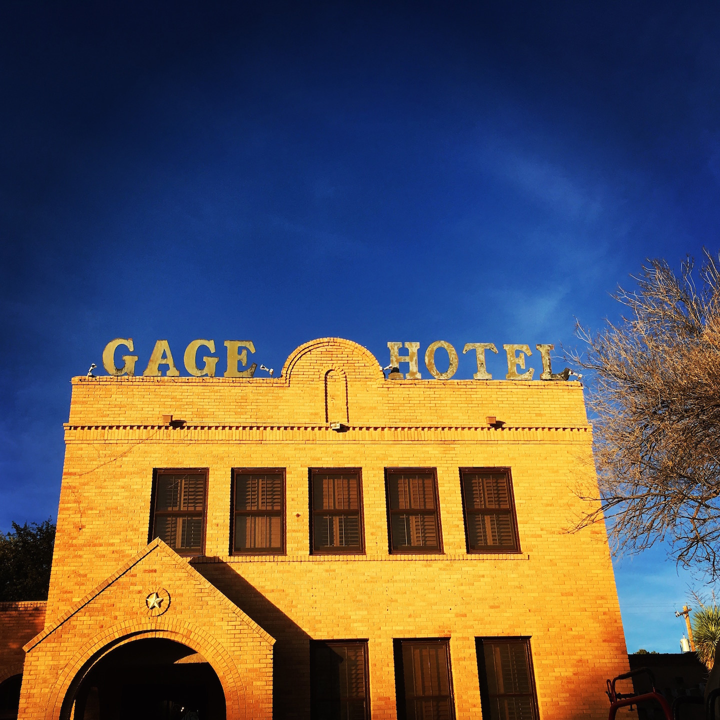 gage, hotel sunset marathon, texas.jpg