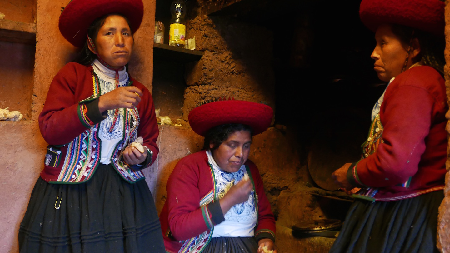 three peruvian women.jpg