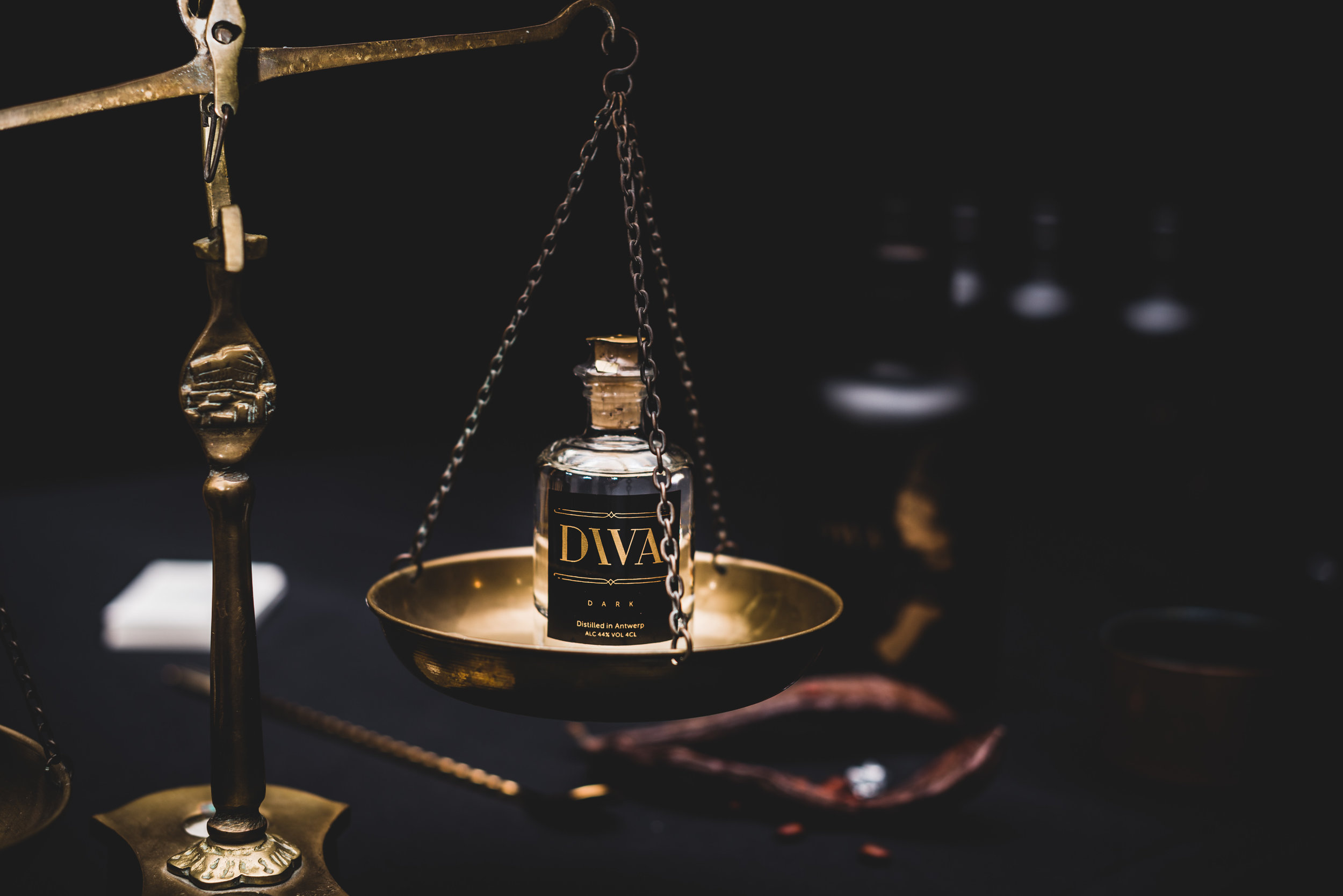 DIVA Gin mini bottle 40 ml - Looking for a small, yet stylish gift? Or do you want to surprise someone extra? Our mini DIVA Gin bottle is ideal!For 6 pieces:€ 39,75 i.s.o €47,7