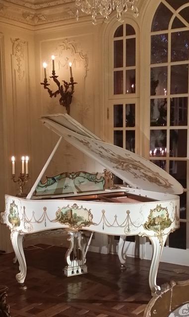 piano painted by Jennifer Chapman