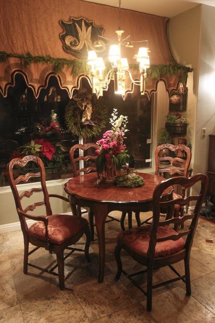 Floral Centerpiece Holiday Design by Jennifer Chapman