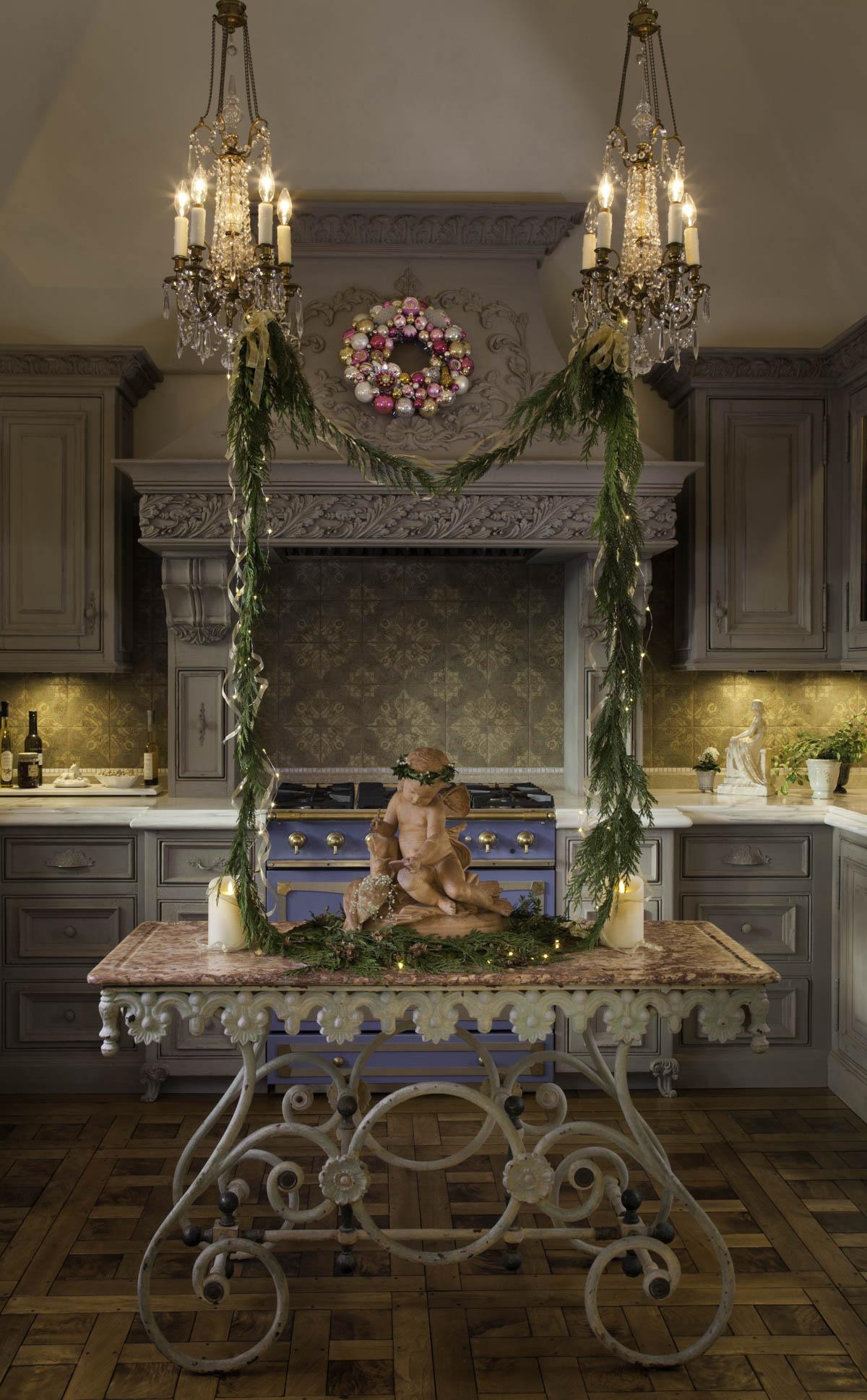 Garland Framed Cherub Centerpiece Holiday Design by Jennifer Chapman
