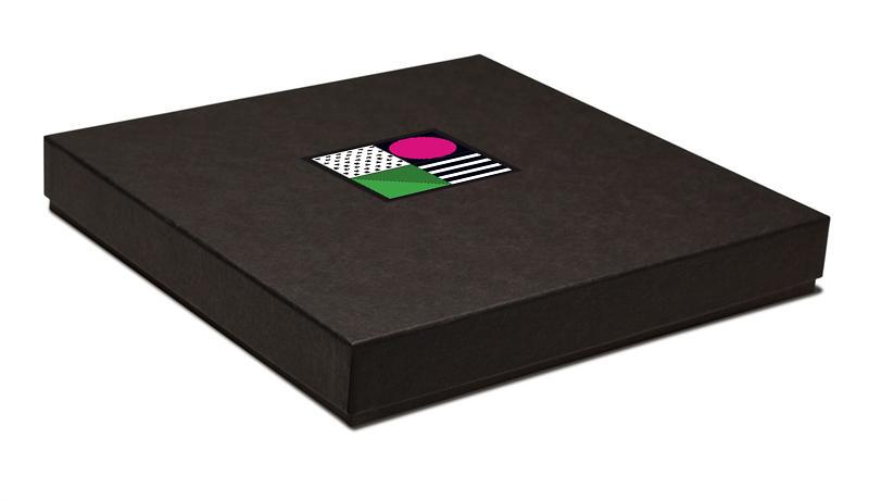 Colors De La Runway| Book Box.jpg