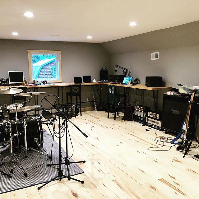 studio vibes #musictech #minnesota #forest #cabin #musictechnology #music