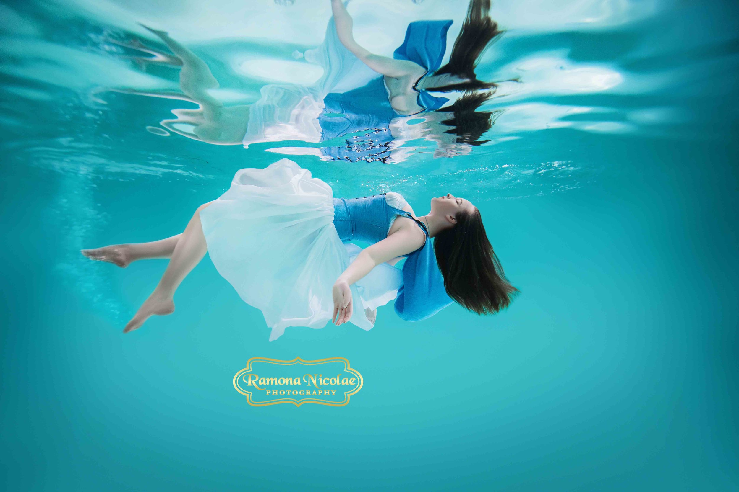 Underwater photoshoot in Myrtle Beach by Ramona Nicolae Photography underwater photography submerged photos