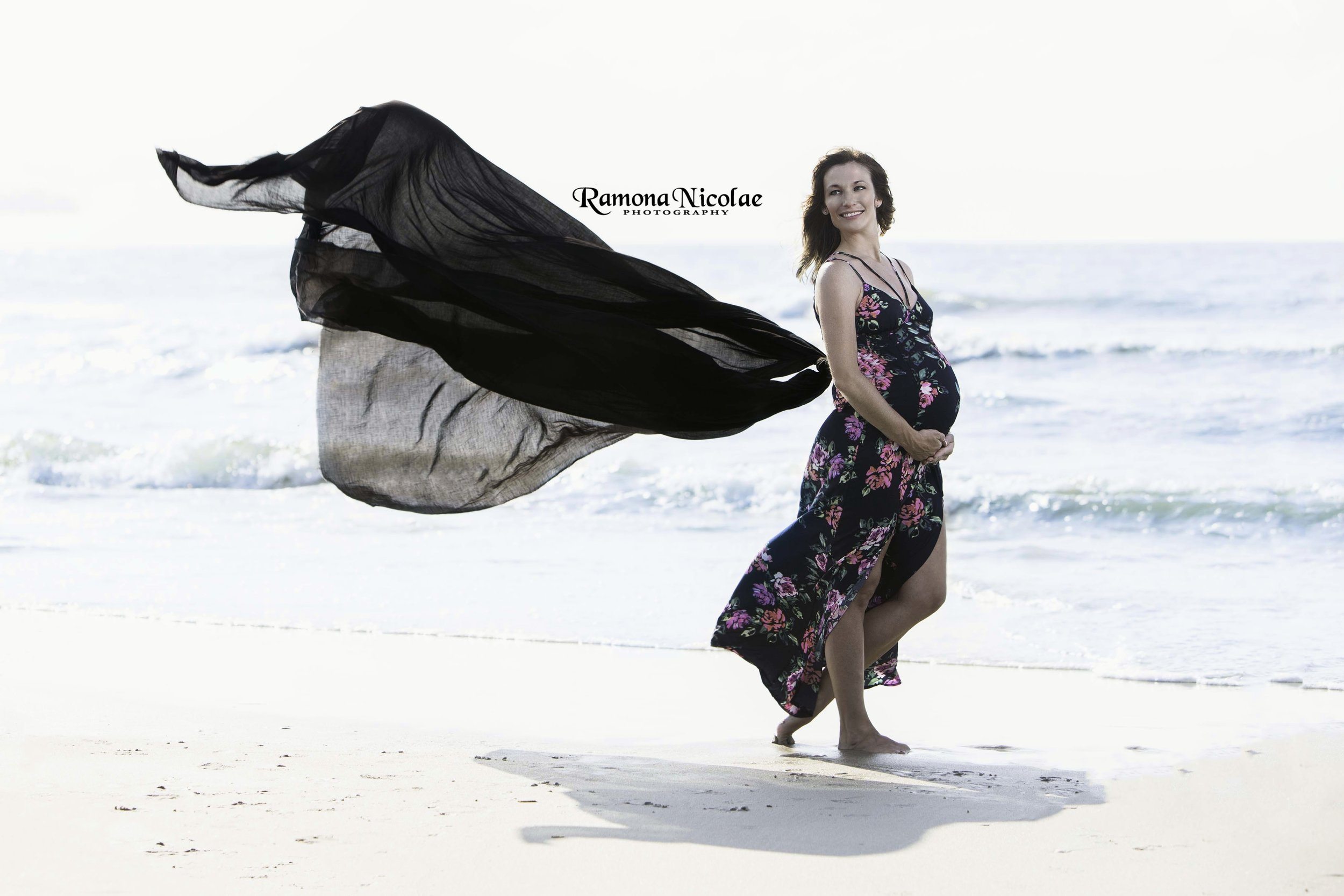 maternity shoot on the beach ramona nicolae photography.jpg