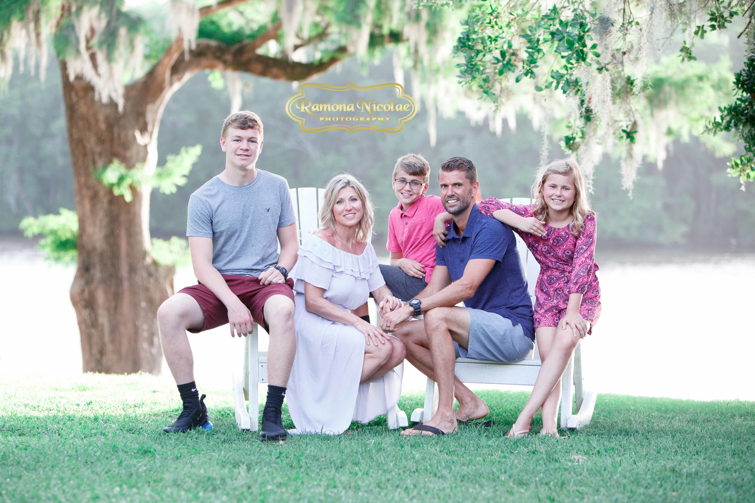 happy family pictures at wachesaw plantation .jpg