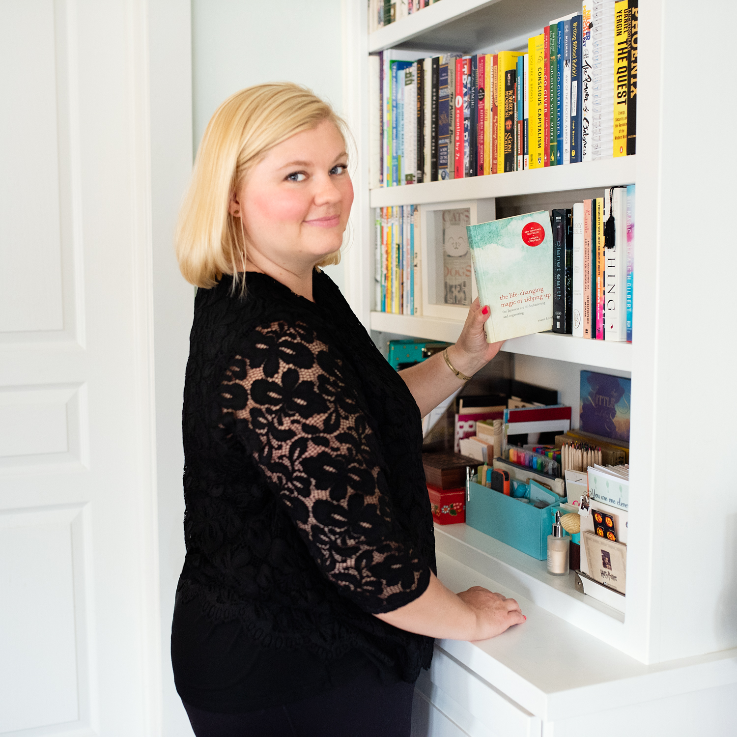 A well-organized bookshelf? Love it!