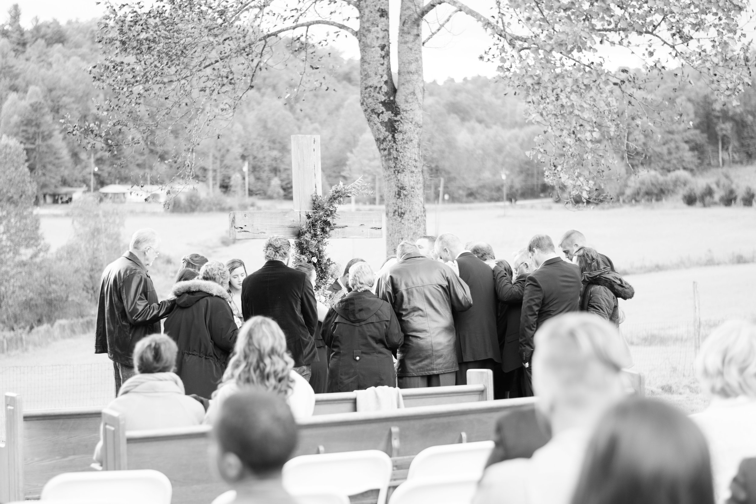 Zach & Laiken asked their families to join them in prayer during the ceremony.