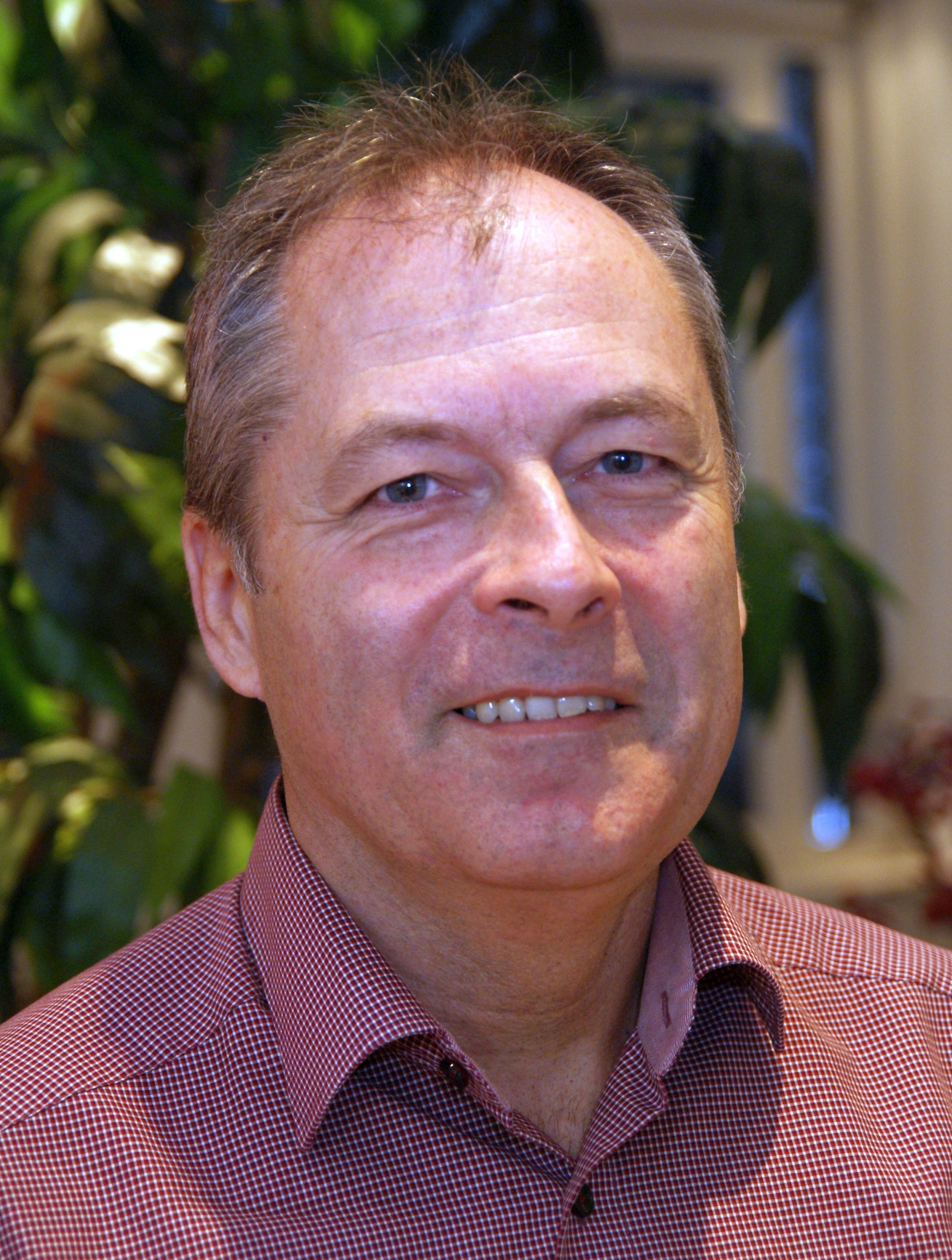 Bernhard Schmid-Web.jpg