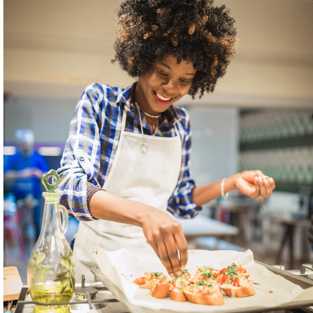 african-american-women-on-cooking-class-picture-id1008357312.jpg