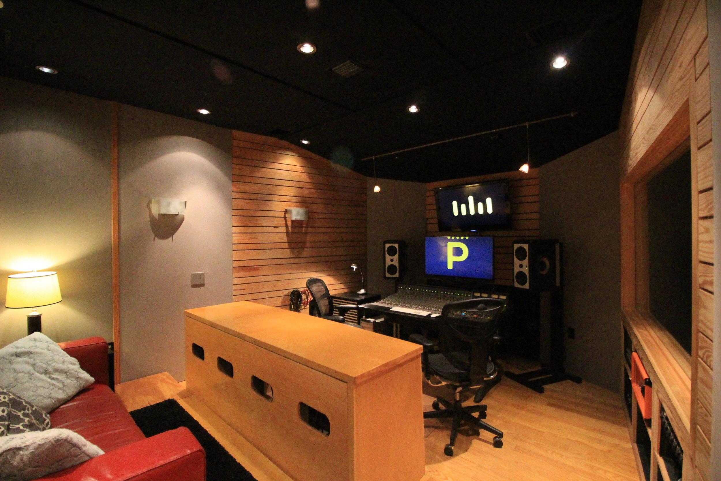 Mix Room (A)