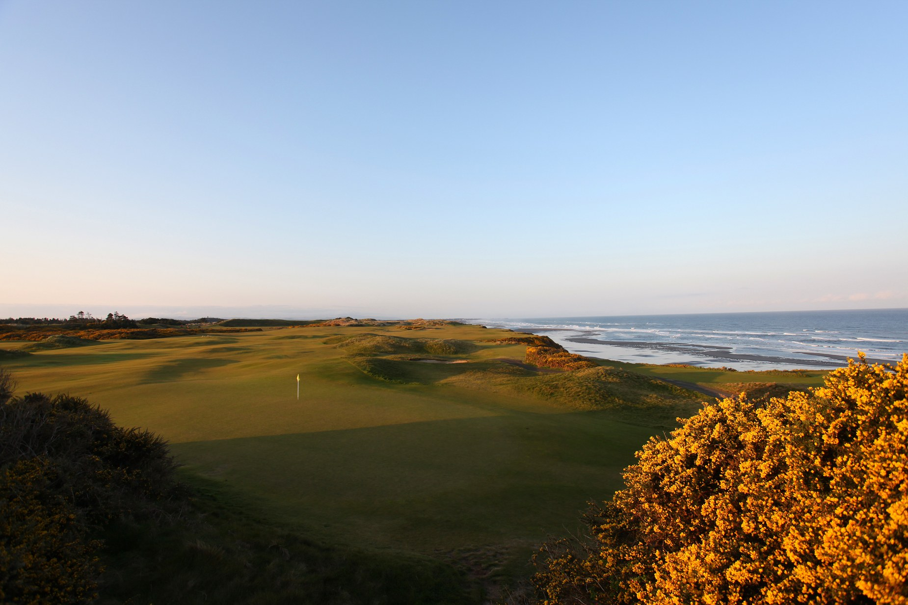 Pacific Dunes Course Review - By Golf Digest