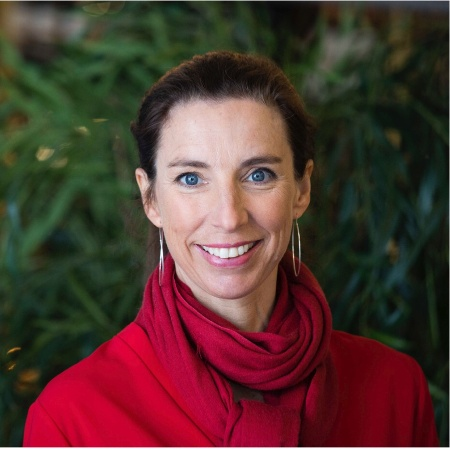 Beata Wickbom   Digital strategist, speaker & founder  HejDigitalt!