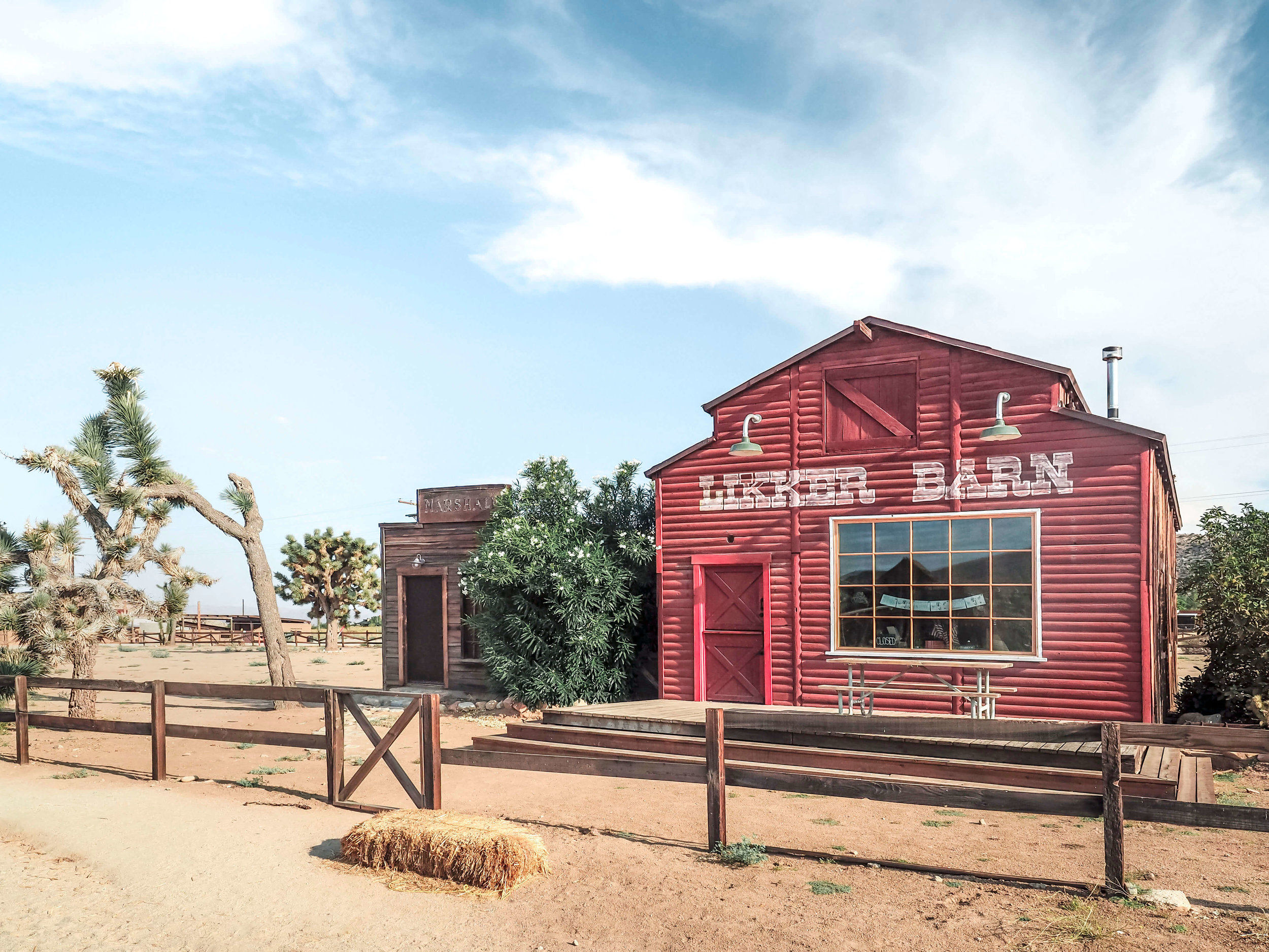 Even in the modern day you can experience the old Wild West of the 1800's. Pioneertown, California is a step back in time with a saloon, stables, and a thriving artist community. #california #wildwest #desert #travel