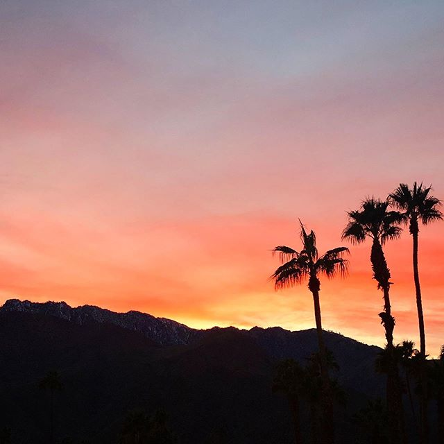 Walked out of work and seen this.....Man, I LOVE the sunsets here!  #designerlife #designer #palmsprings #palmspringsisbetter