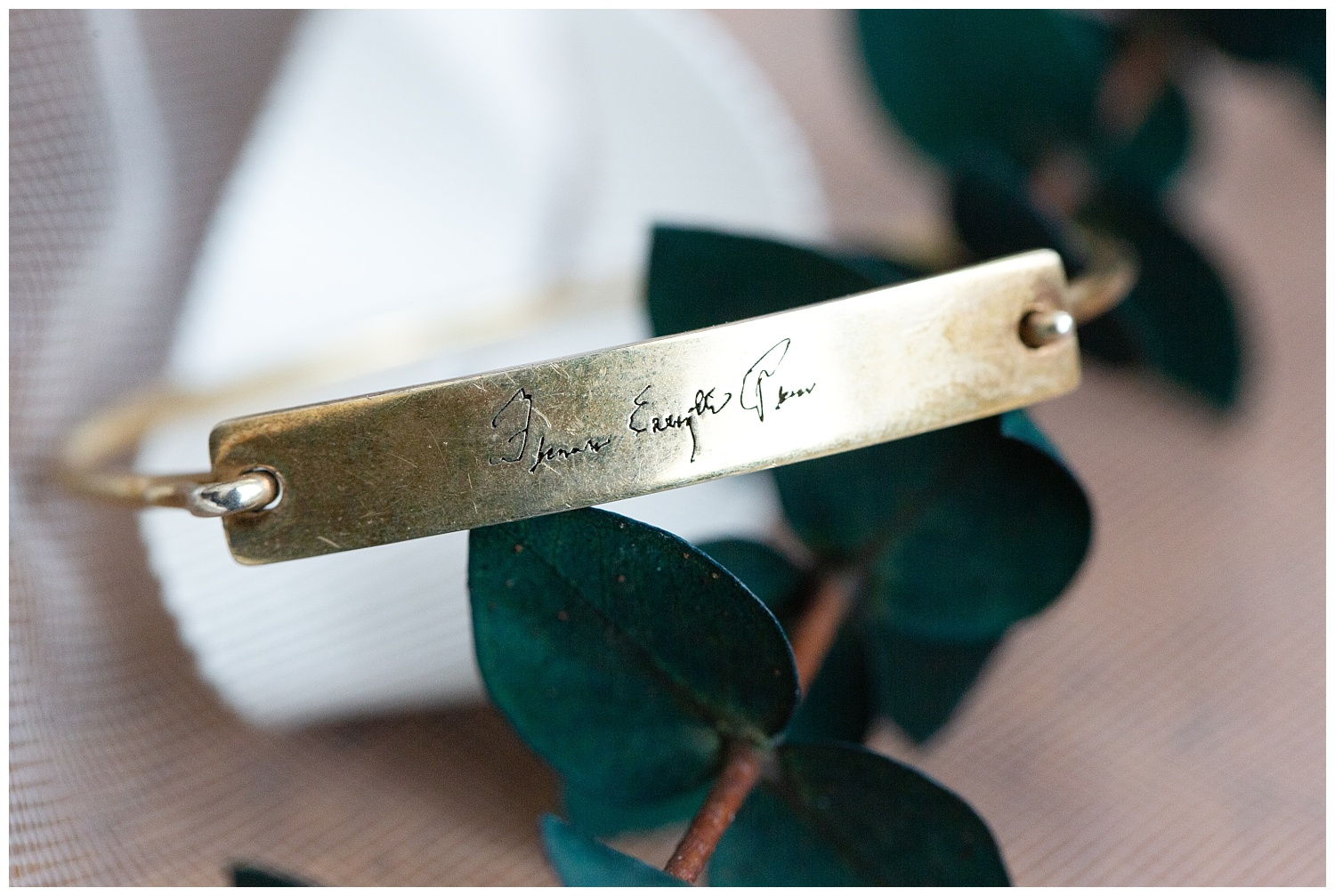 Unique bracelet engraved with the bride's grandmother's signature