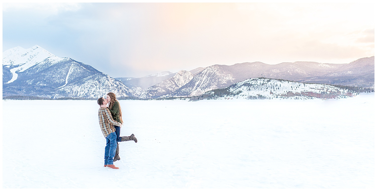 Winter-Breckenridge-Colorado-Engagement-Session_0028.jpg