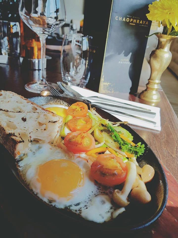 25% off breakfast -