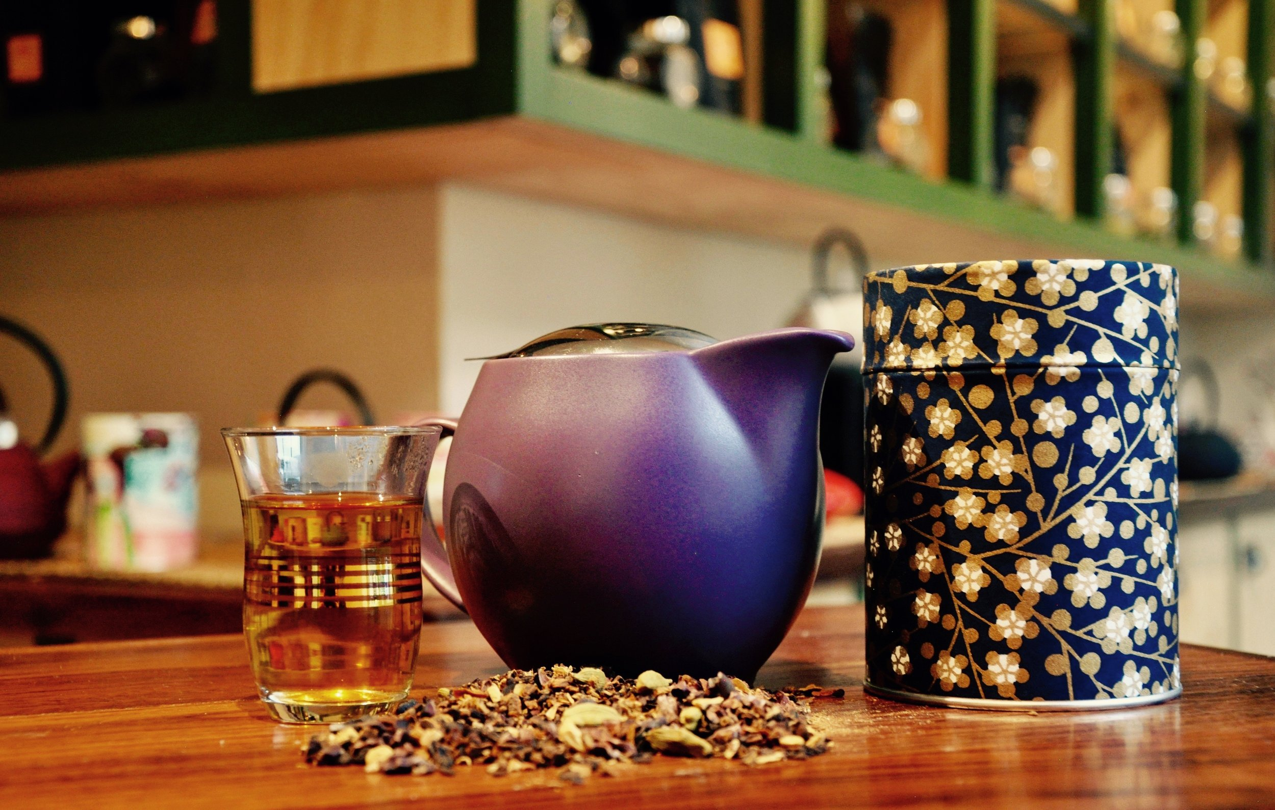 FREE BAG OF TEA WITH JAPANESE TEAPOT -