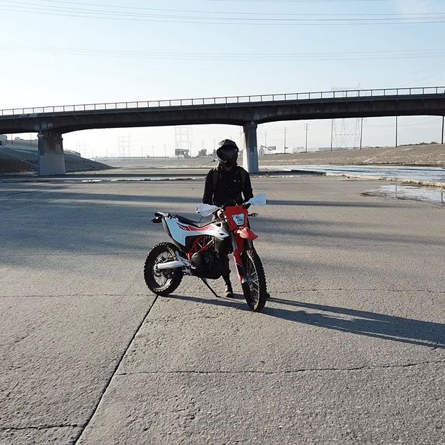 Go anywhere. Do anything ••• #urbanexplore #moto #adv #losangeles