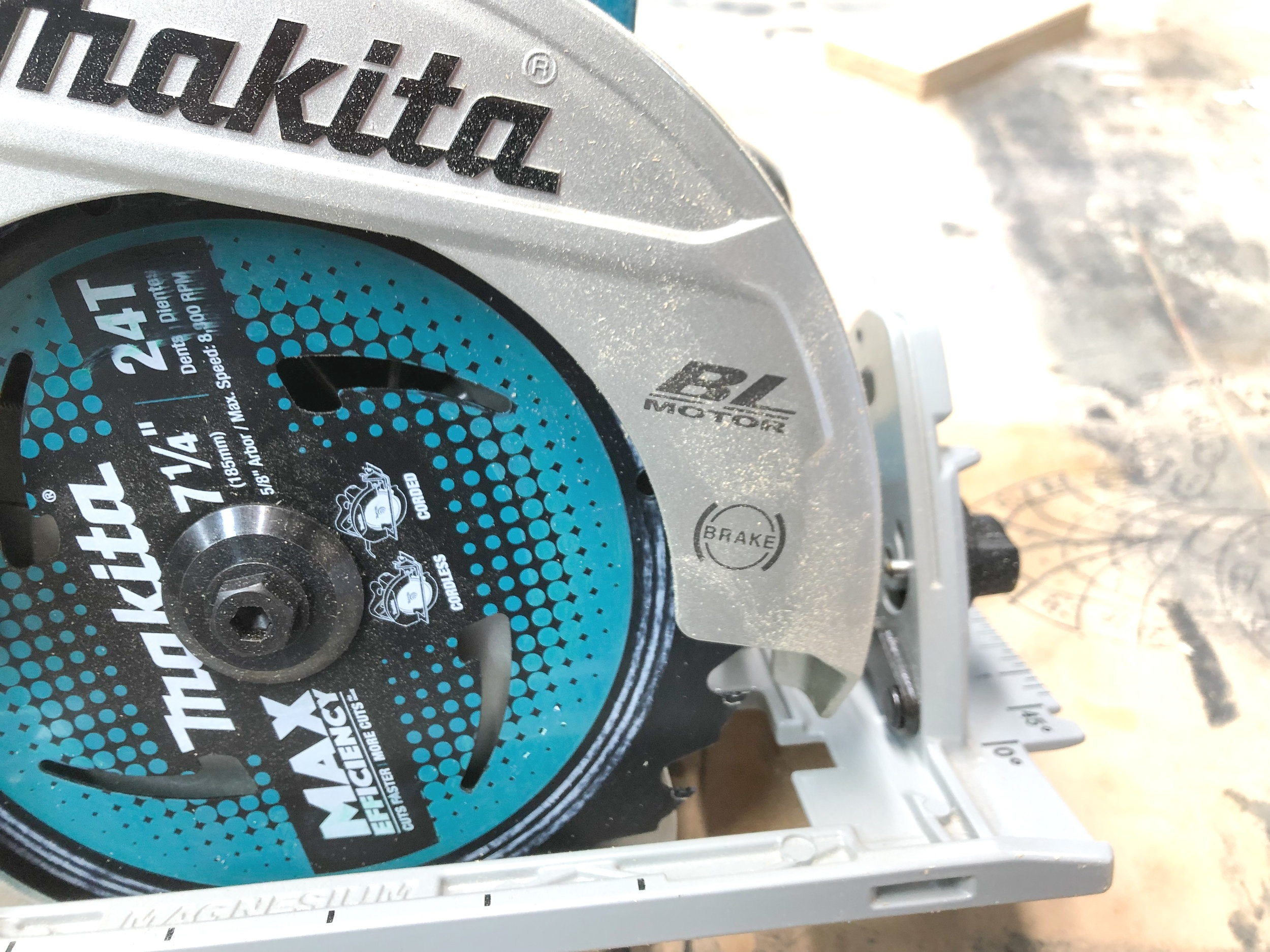 Makita cordless circular saw