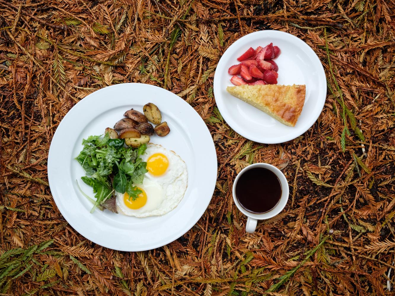 Breakfast-Cookwilltravel-Huckberry.jpg