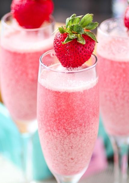 Strawberry-Cream-Mimosas.jpg