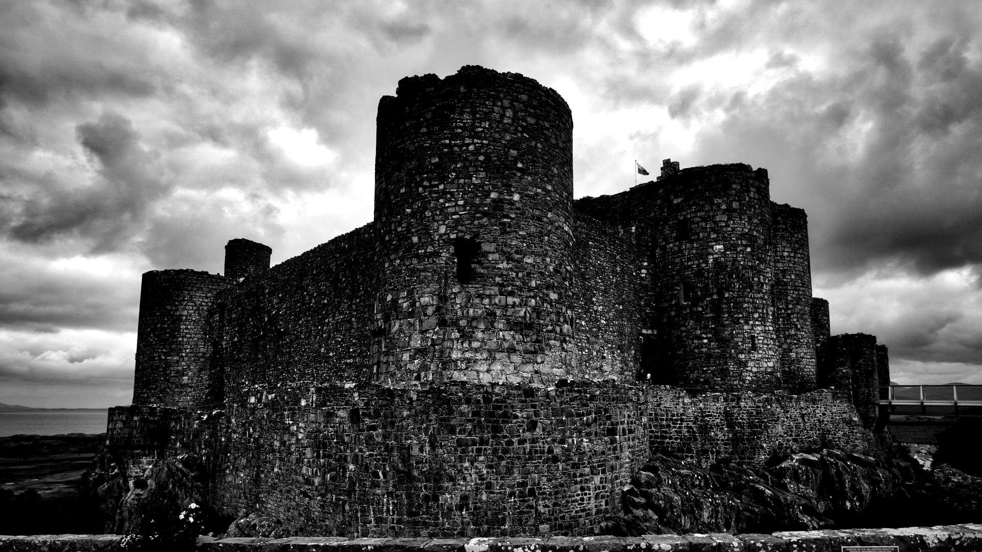 Harlech Castle via  Mitch Cartmell