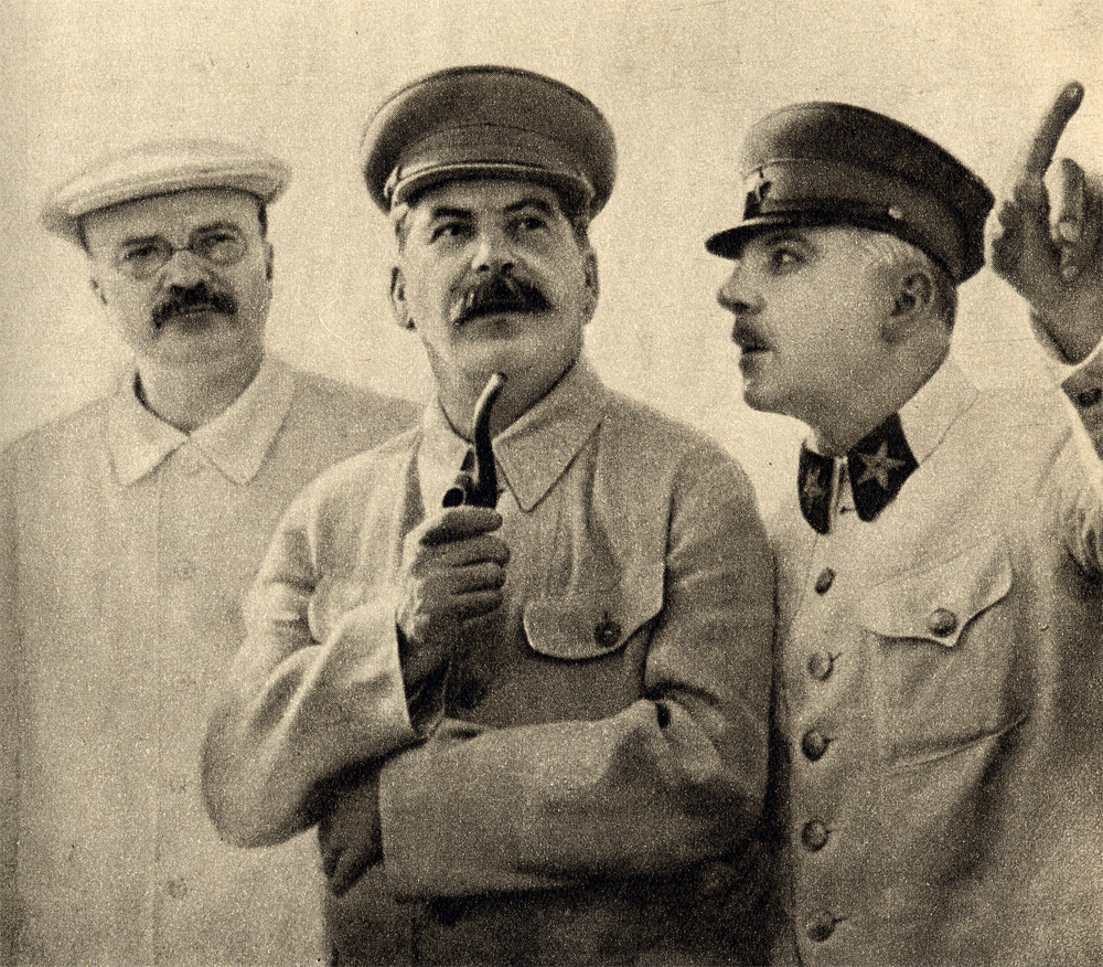 5- Molotov,_Stalin_and_Voroshilov,_1937.jpg