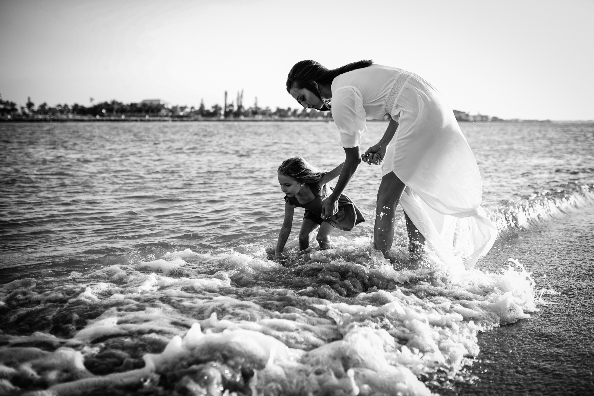 emotionstorytelling.familyphotography.fortpierce.florida.virginiaweddingphotographer.beach.Fortpierceinletstatepark-15.jpg