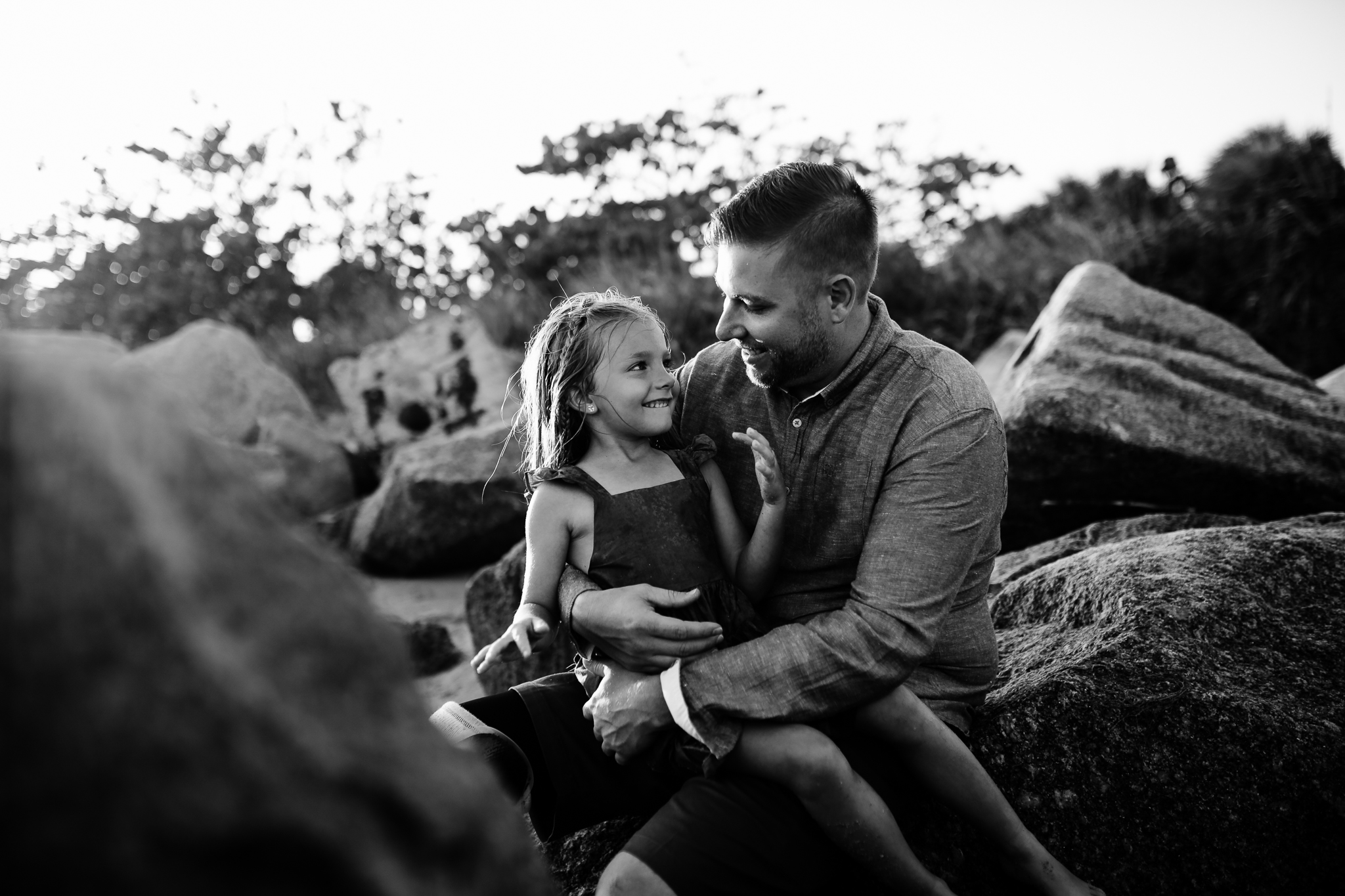 emotionstorytelling.familyphotography.fortpierce.florida.virginiaweddingphotographer.beach.Fortpierceinletstatepark-40.jpg