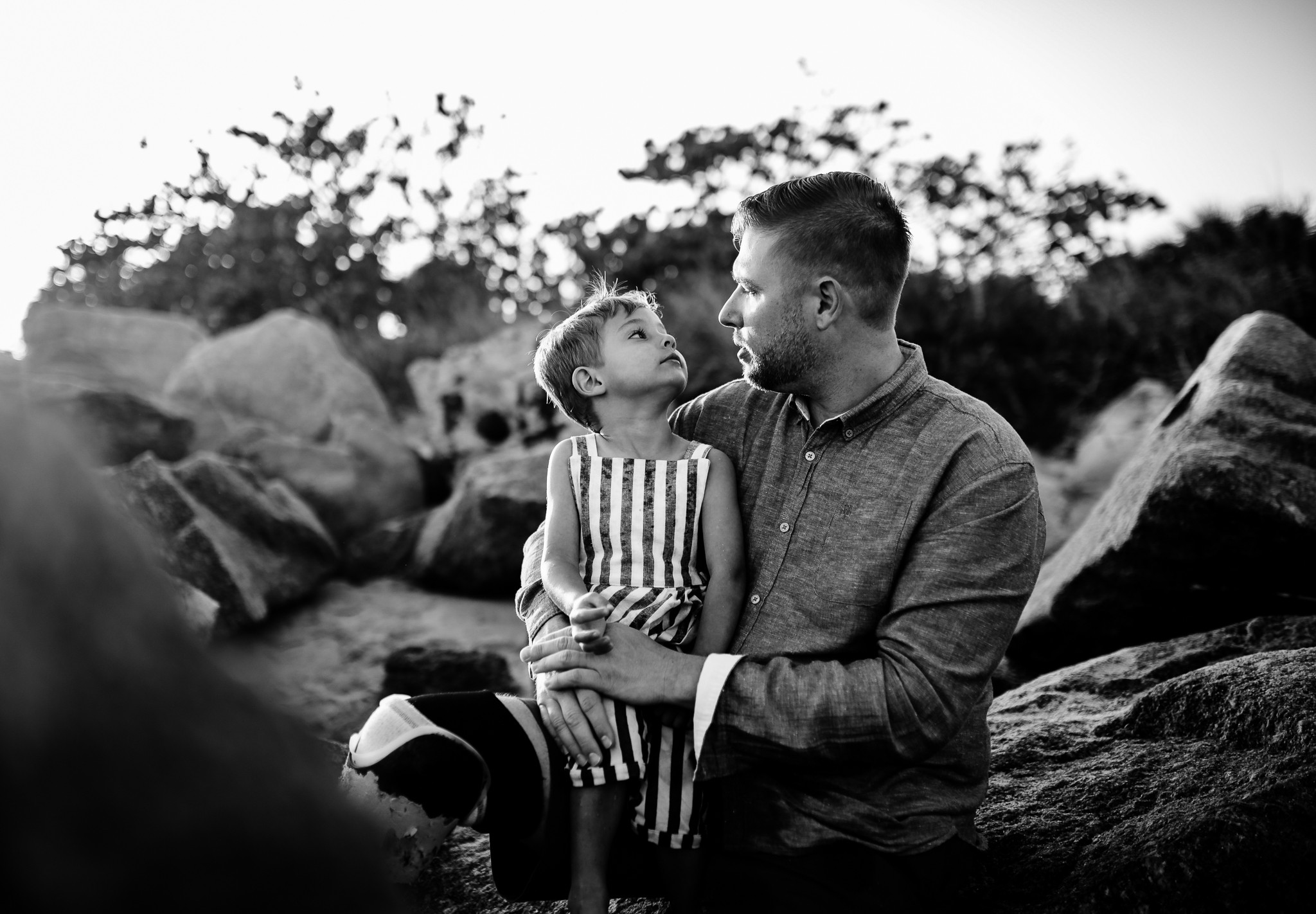emotionstorytelling.familyphotography.fortpierce.florida.virginiaweddingphotographer.beach.Fortpierceinletstatepark-45.jpg