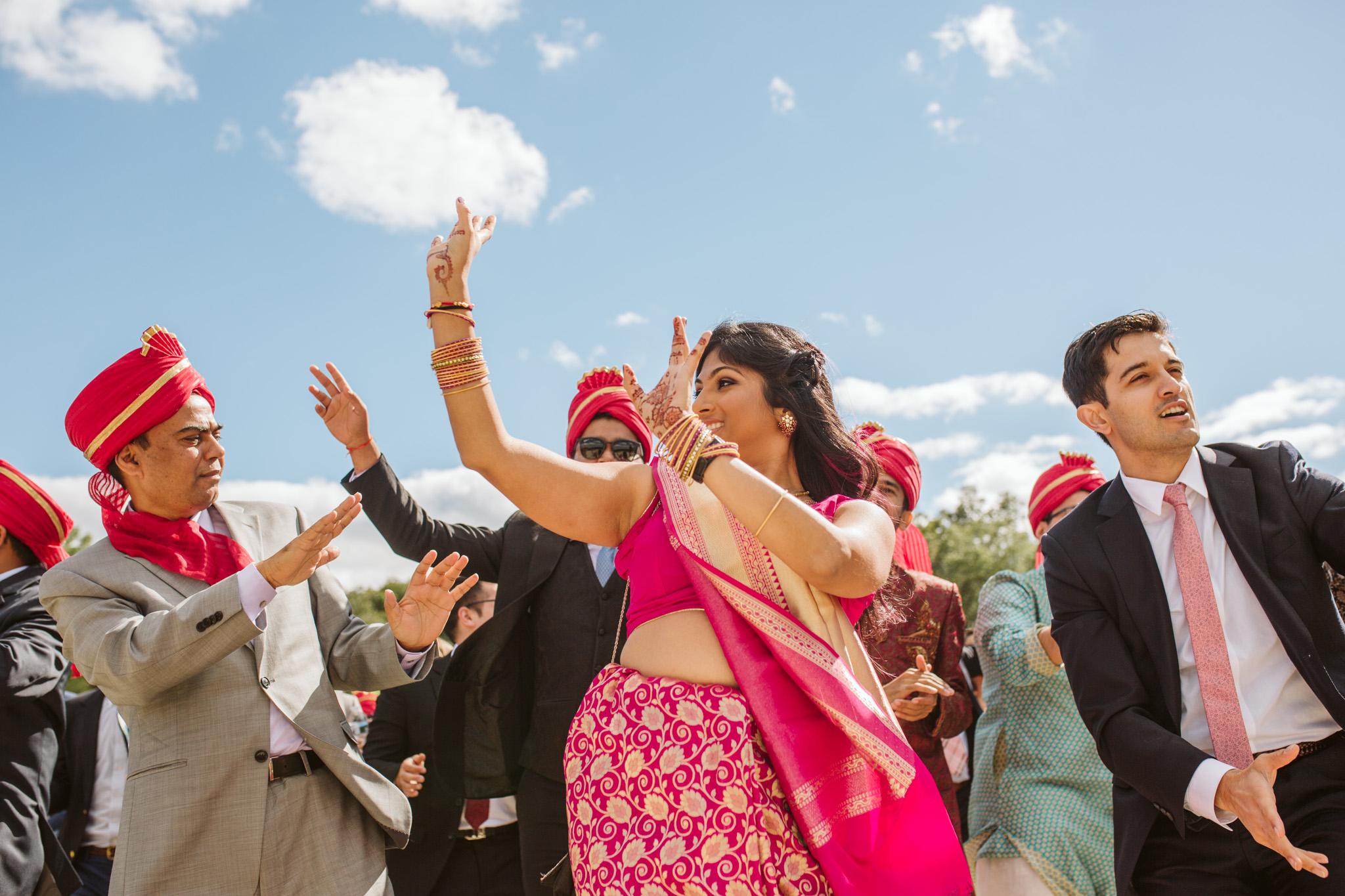 rebeccaburtphotography.hindiwedding.moraisvineyards.virginiawedding-82.JPG