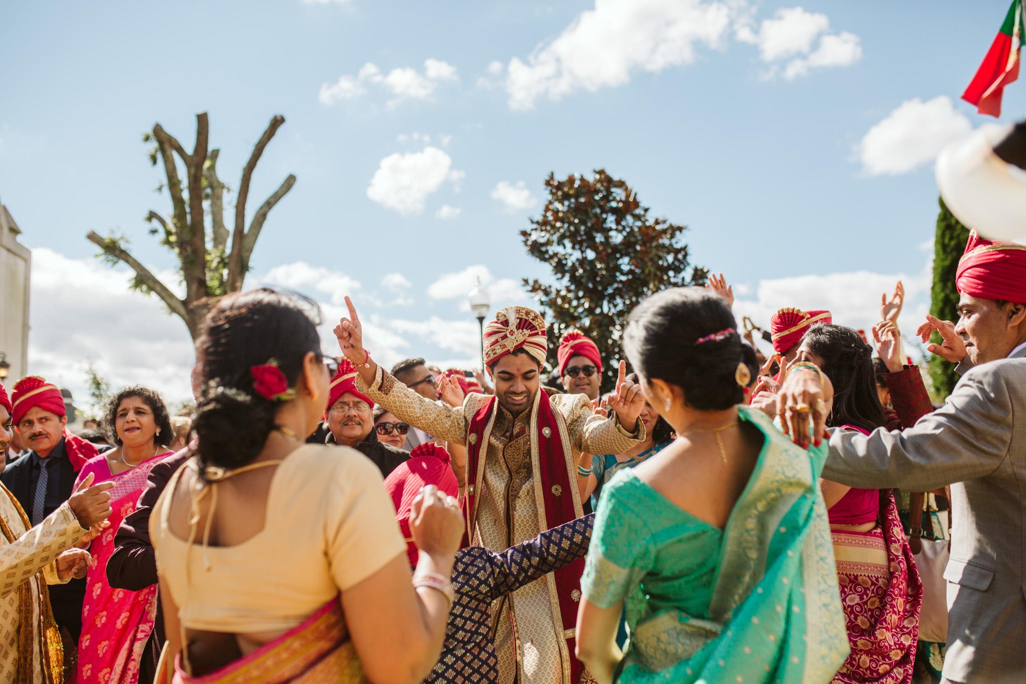 rebeccaburtphotography.hindiwedding.moraisvineyards.virginiawedding-99.JPG