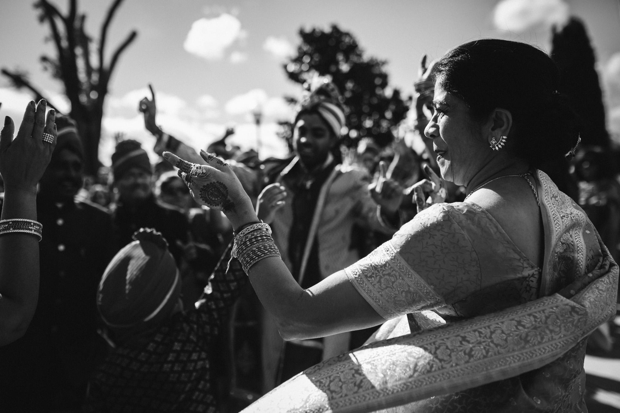 rebeccaburtphotography.hindiwedding.moraisvineyards.virginiawedding-100.JPG