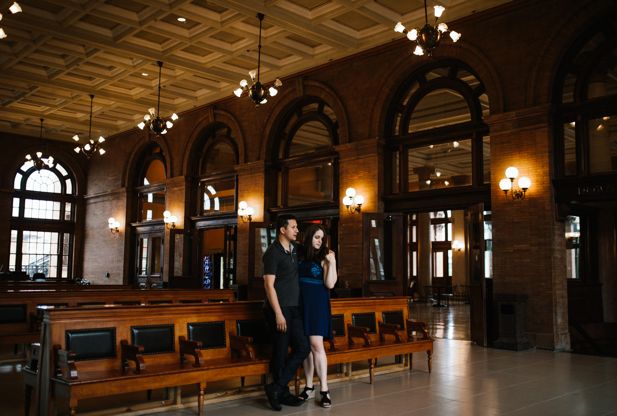 rachel_alex_richmond_engagement_session_mainstreetstation_rebeccaburtphotography-8.jpg