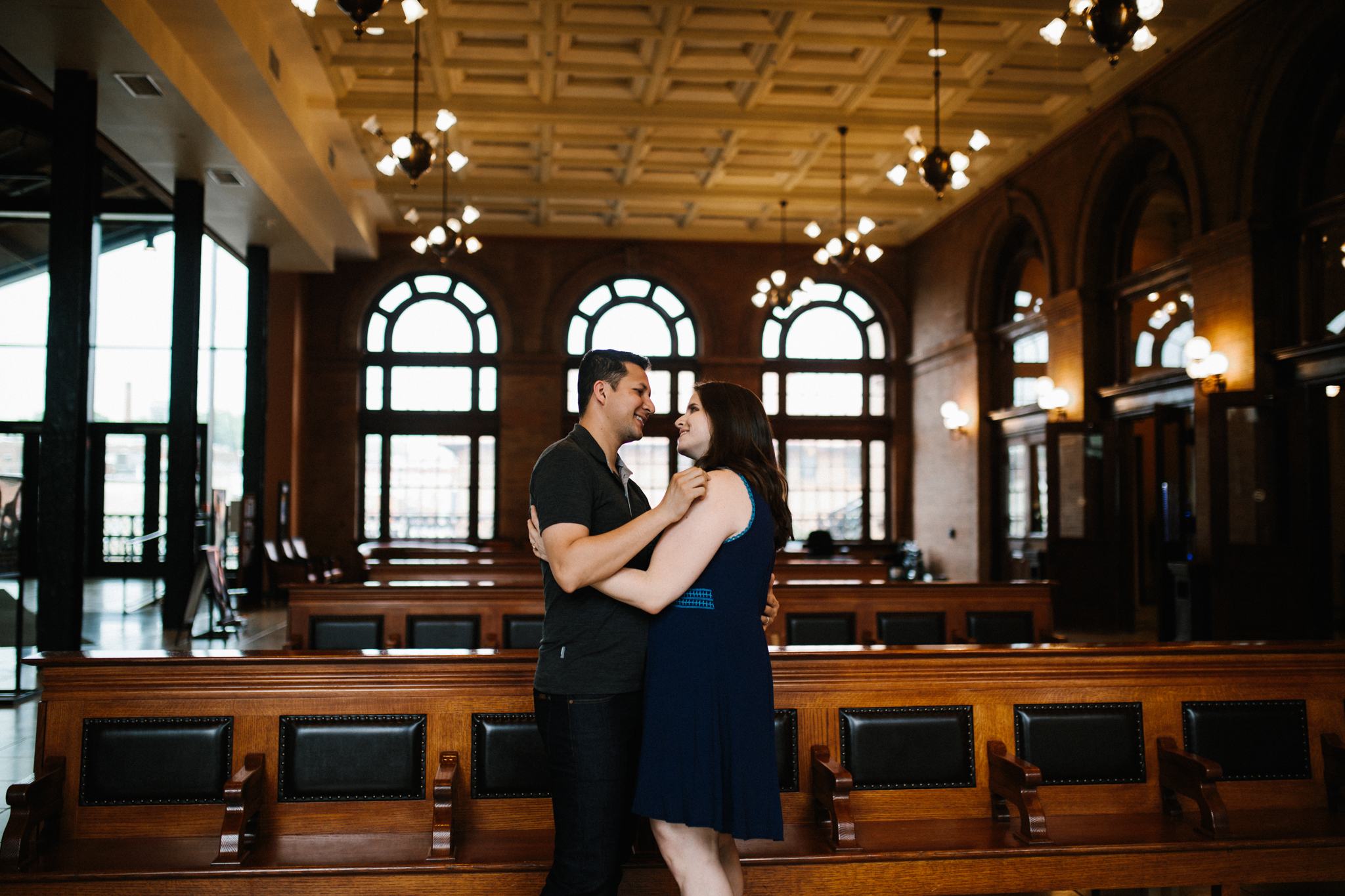 rachel_alex_richmond_engagement_session_mainstreetstation_rebeccaburtphotography-14.jpg