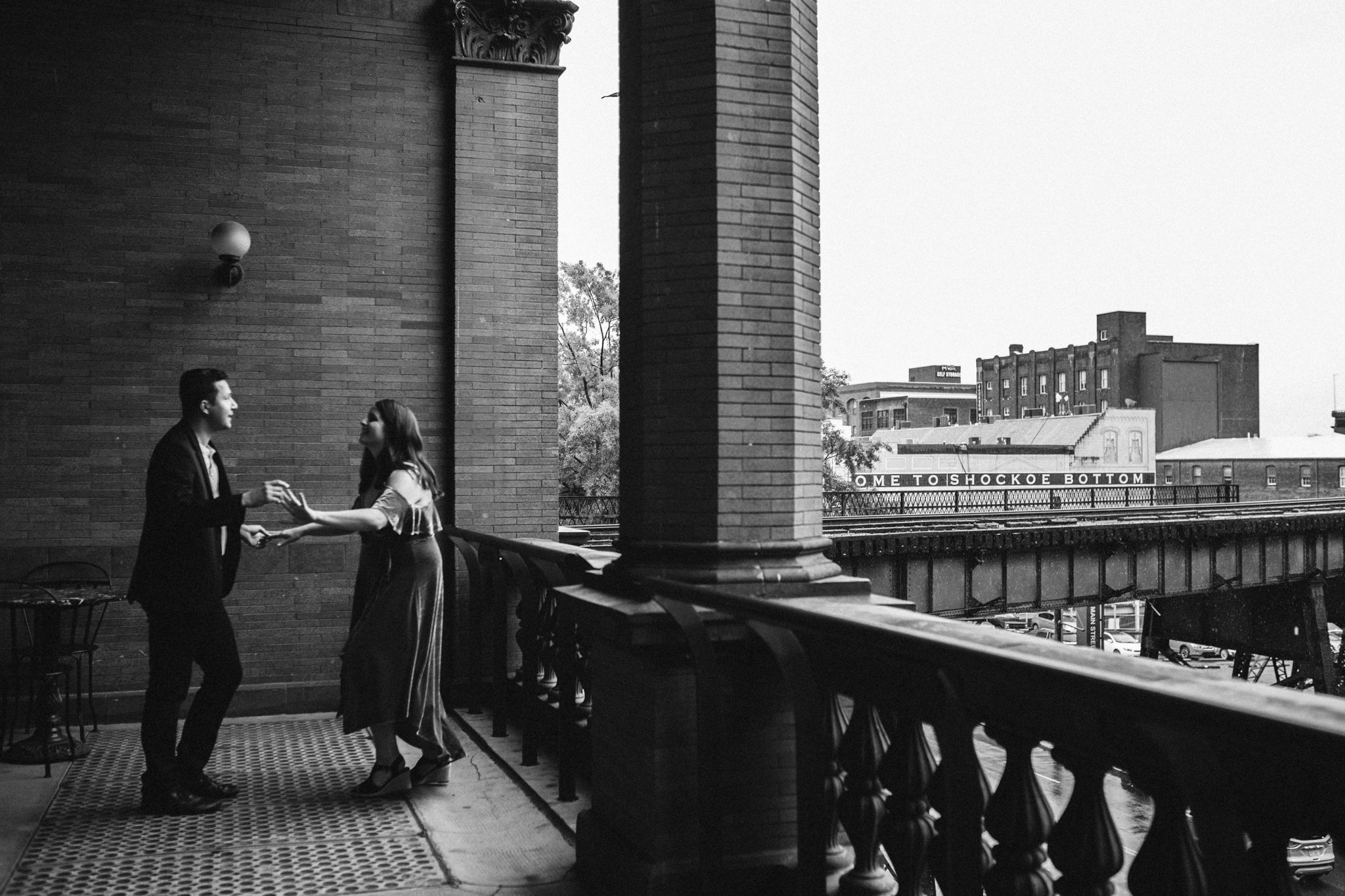 rachel_alex_richmond_engagement_session_mainstreetstation_rebeccaburtphotography-26.jpg