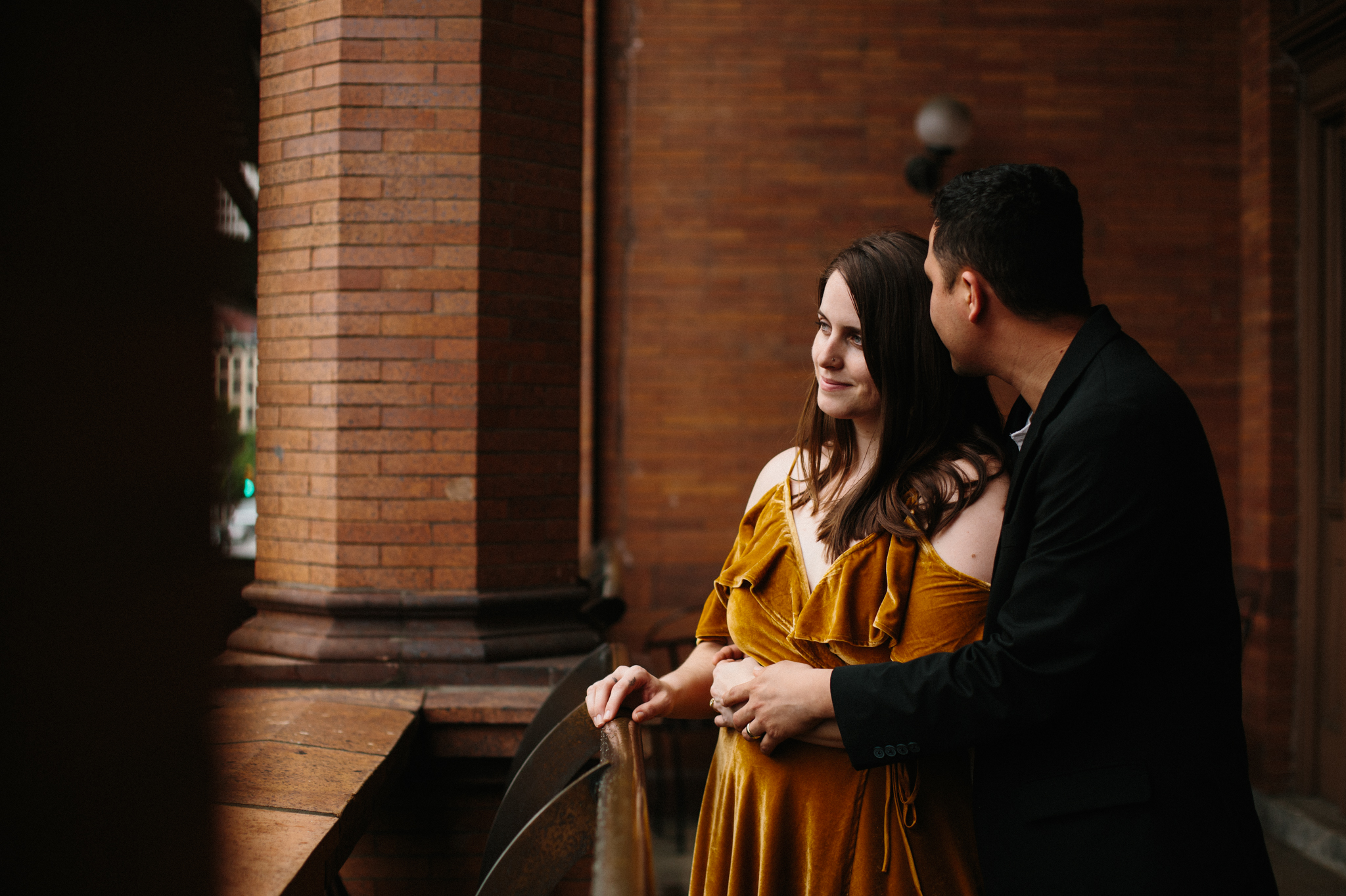 rachel_alex_richmond_engagement_session_mainstreetstation_rebeccaburtphotography-41.jpg