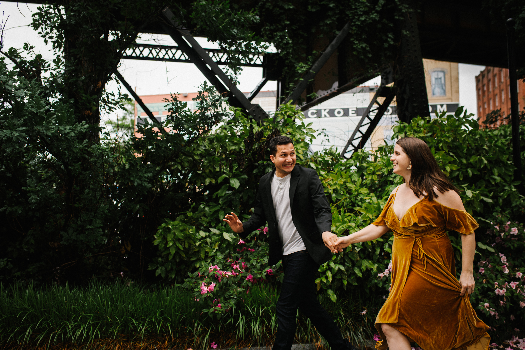 rachel_alex_richmond_engagement_session_mainstreetstation_rebeccaburtphotography-58.jpg