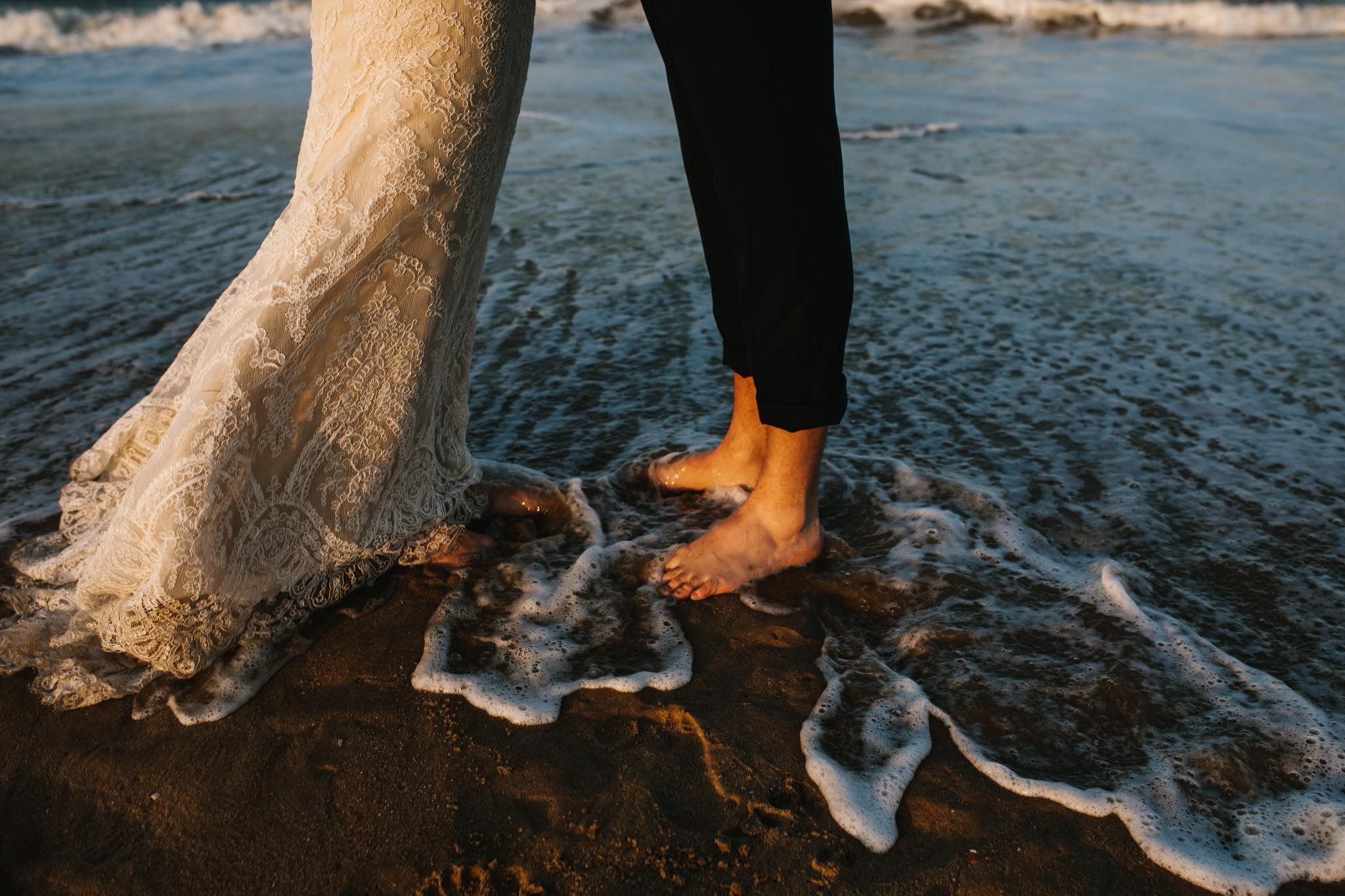 anniversary_virginia_beach_oceanfront_rebeccaburtphotography-38.jpg