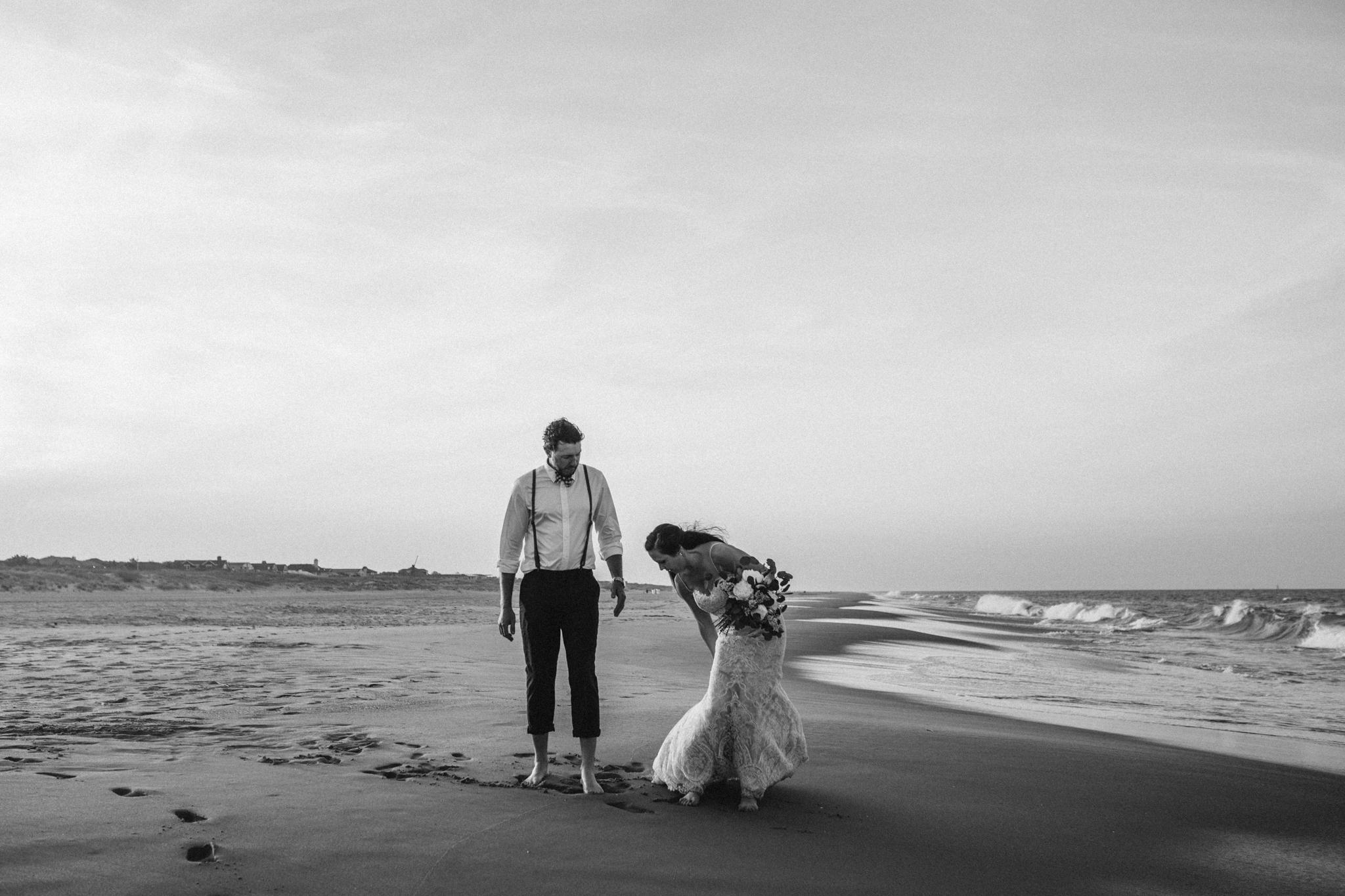 anniversary_virginia_beach_oceanfront_rebeccaburtphotography-43.jpg