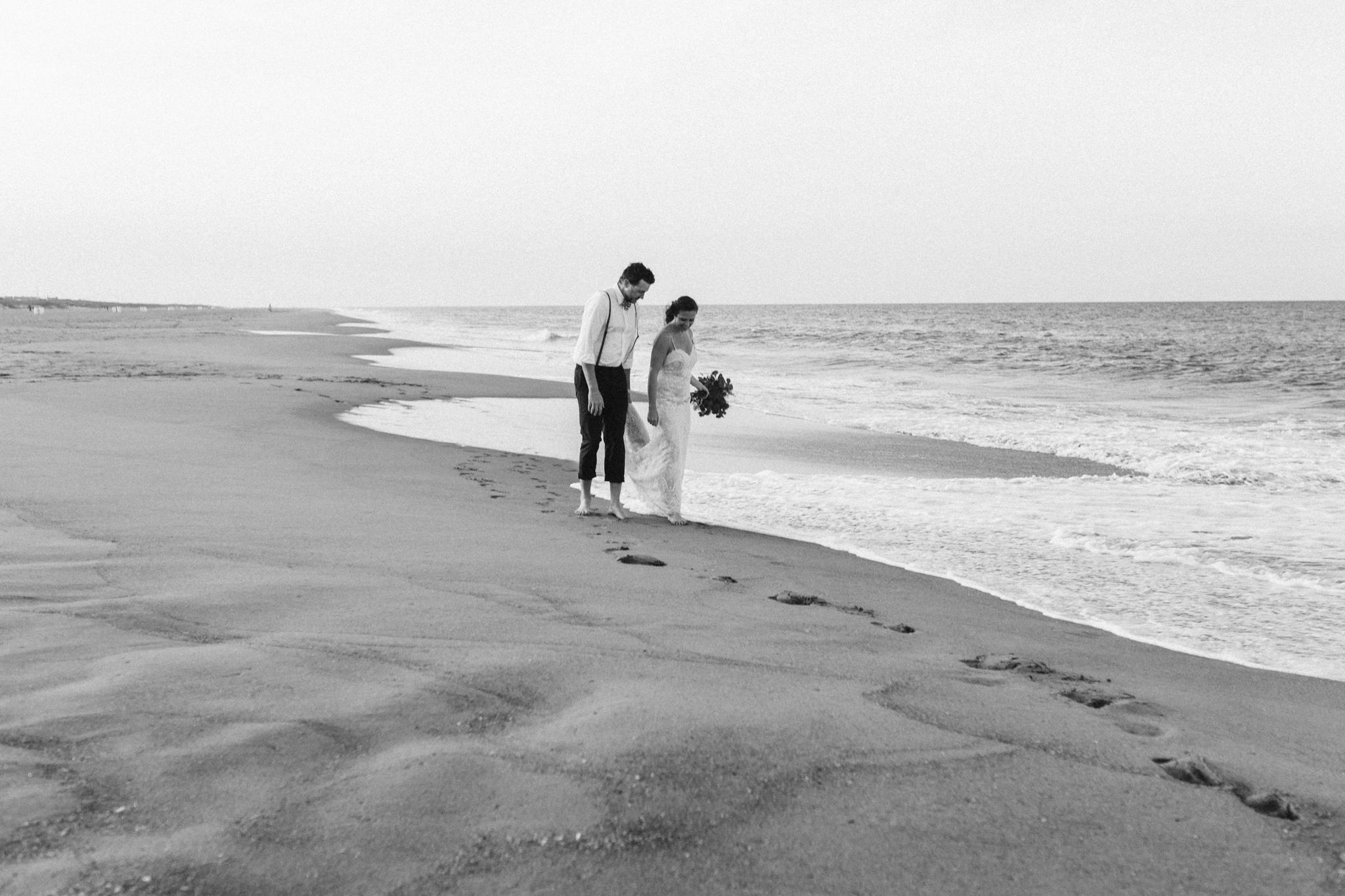 anniversary_virginia_beach_oceanfront_rebeccaburtphotography-49.jpg