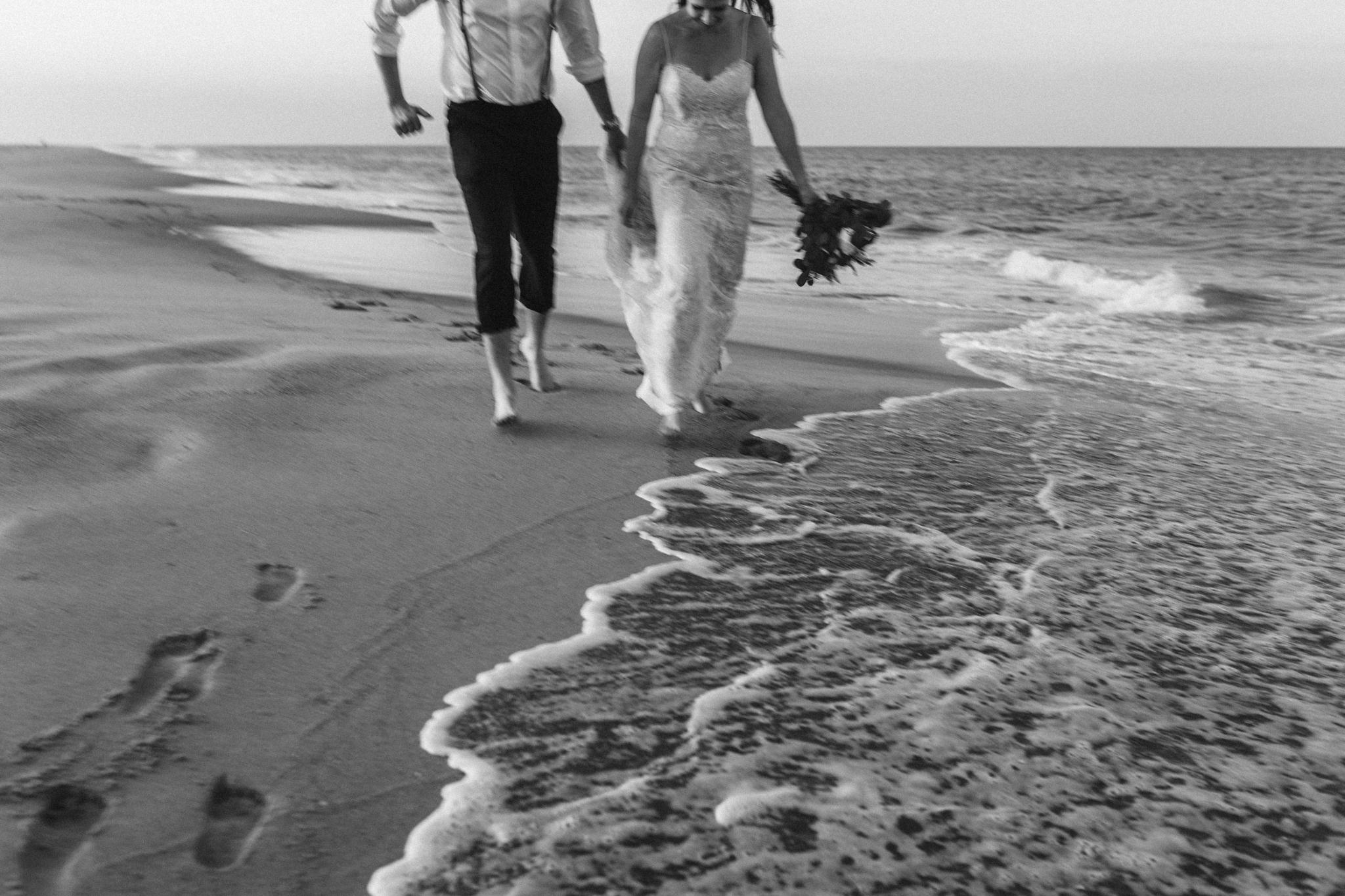 anniversary_virginia_beach_oceanfront_rebeccaburtphotography-51.jpg