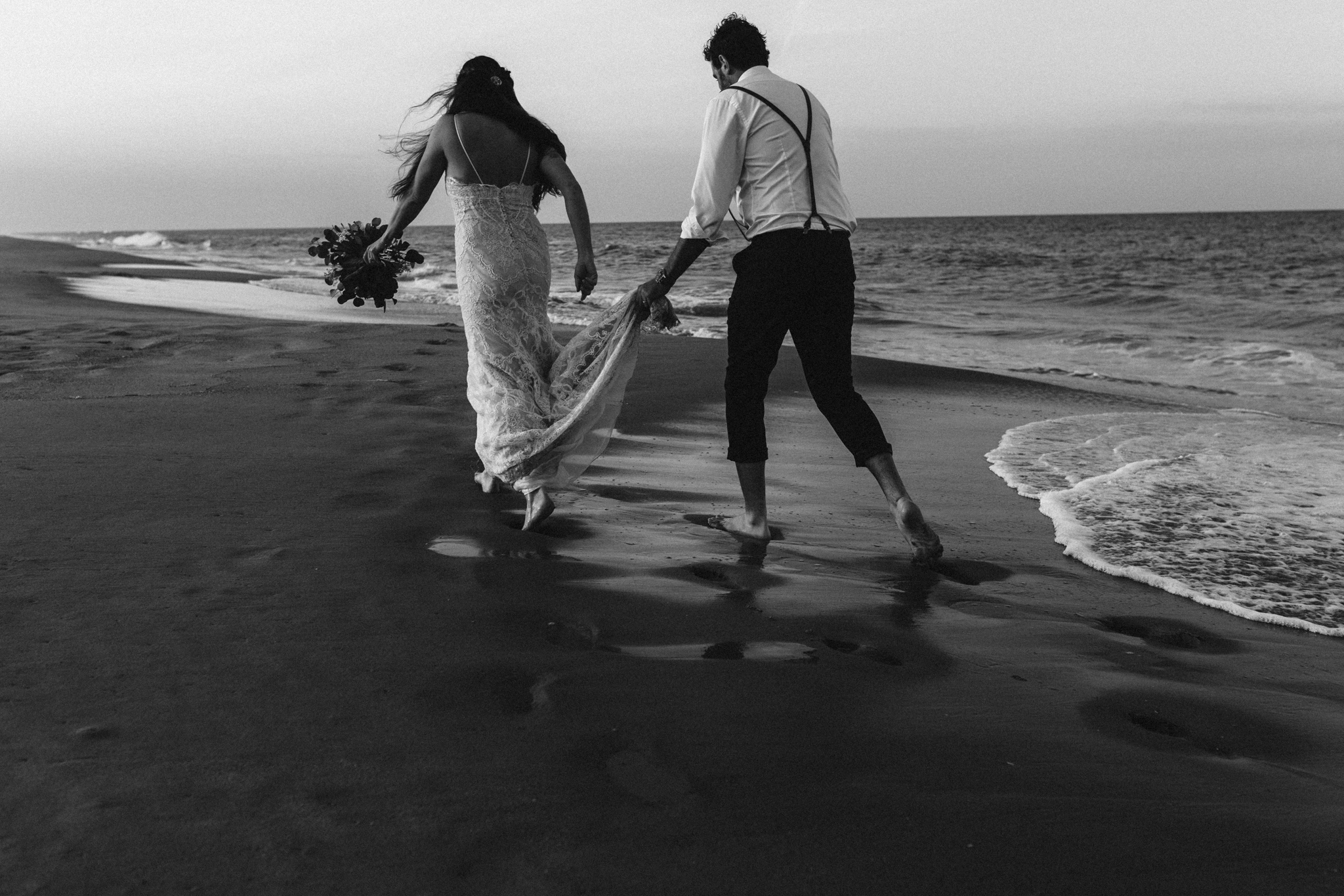 anniversary_virginia_beach_oceanfront_rebeccaburtphotography-53.jpg