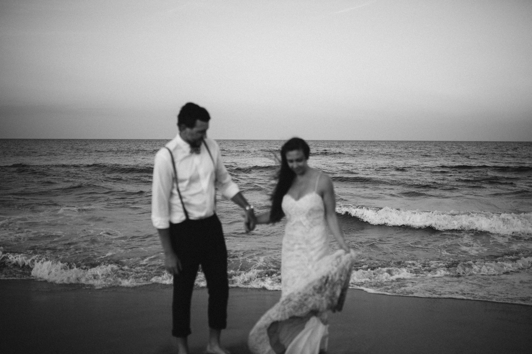 anniversary_virginia_beach_oceanfront_rebeccaburtphotography-92.jpg