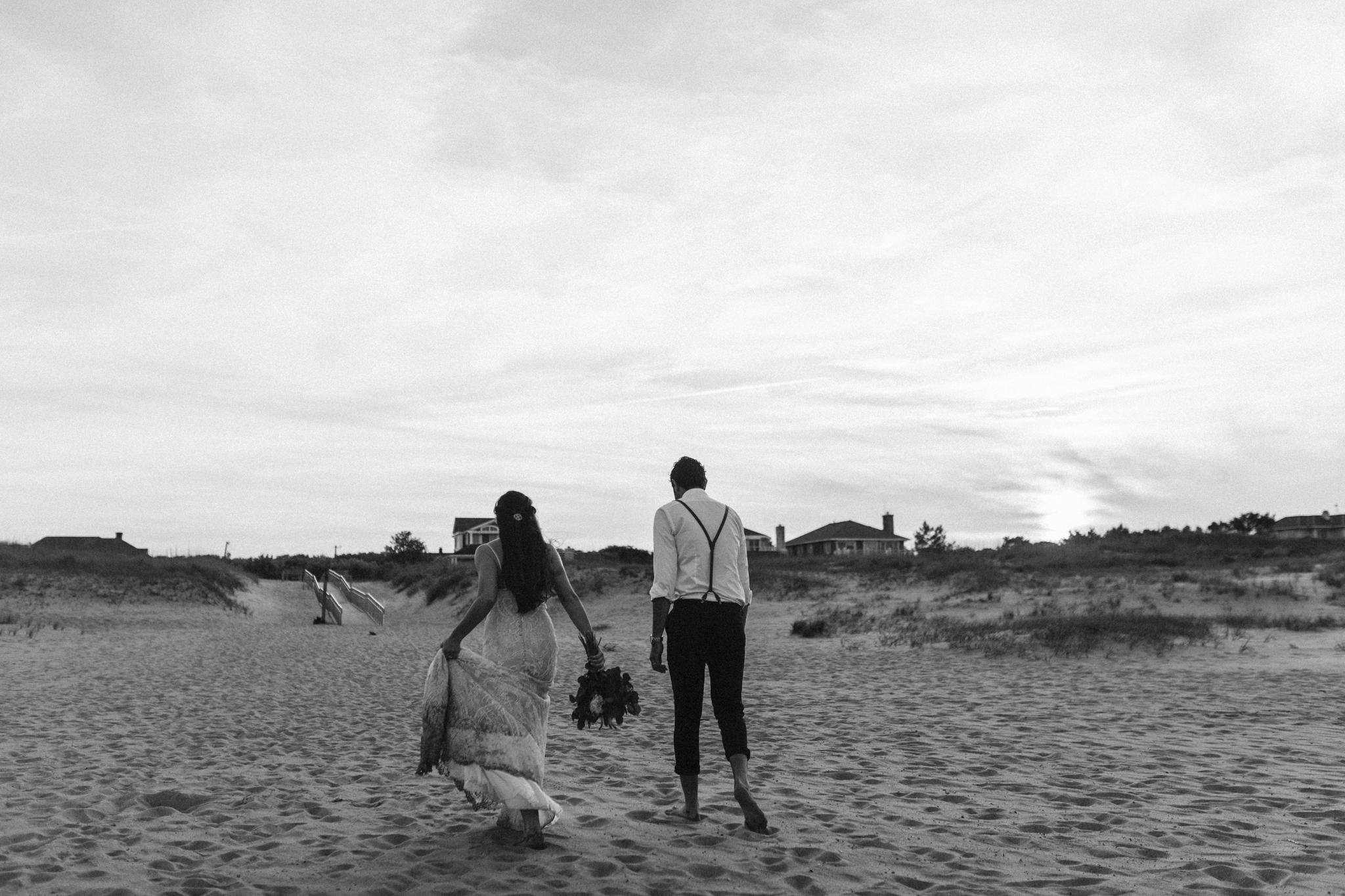 anniversary_virginia_beach_oceanfront_rebeccaburtphotography-100.jpg